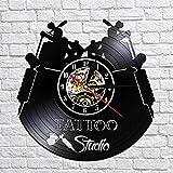 BBNNN Tattoo Studio Logo Business Sign Reloj de Pared con Registro de Vinilo Vintage Reloj de Pared Decorativo Inauguración de salón de Tatuajes Regalo de Tatuador