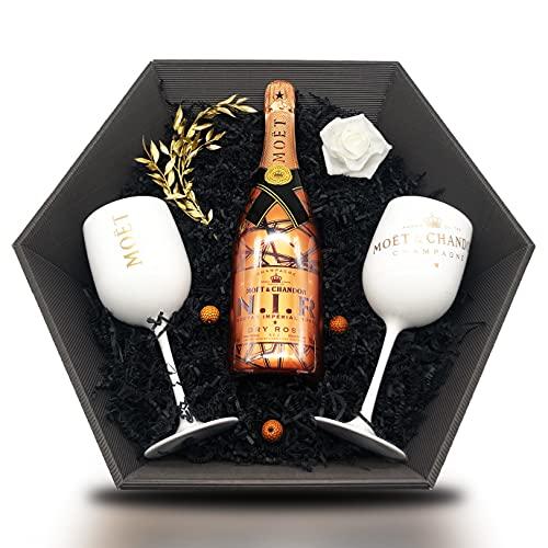 Moët & Chandon Nectar Imperial Rosé N. I. R. Champagne Geschenkeset 12{621a09fac9b771c66304623f8218708e9360394bc3068e60cb8a498753c800ed} 0,75l + 2 Champagne Kelche Weiß