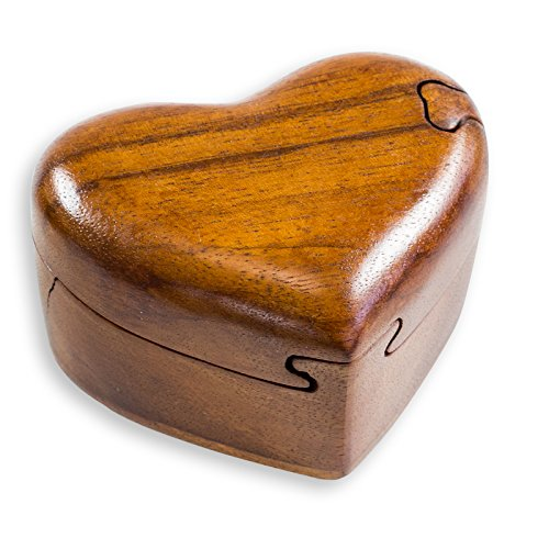 Schatulle Trickbox Herz handgeschnitzt Soar-Holz 10x9cm Holzbox Schmuckschachtel