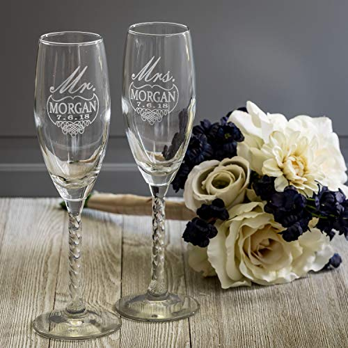 Set of 2 Personalized Wedding Champagne Flutes- For Any Venue-Mr and Mrs Design - Engraved Flutes for Bride and Groom Keepsake Gift for Customized Wedding Gift Reception