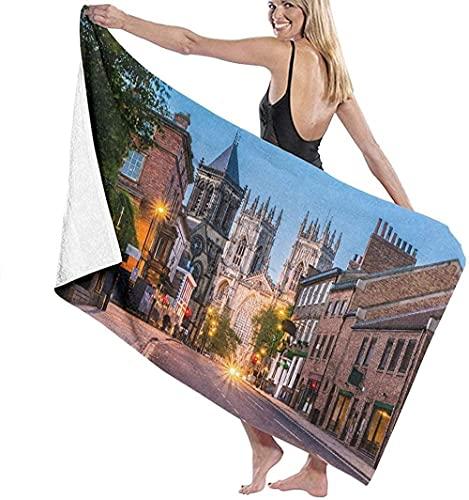 Strandhanddukar för vuxna, York kväll stadsbild från gatan med York Minster i det stora badlakanet lätt strandhandduk perfekt för familj hotell resor simning fitness 81 x 132 cm
