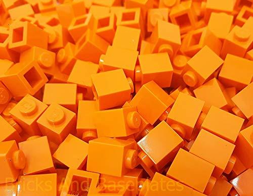 LEGO BRICKS 100 x 1 pin de color naranja Partr 3005 Dimensiones del perno 1 x 1 x 1 Dimensiones LxWxH 0,8 x 1,1 cm Tomado de los juegos suministrados en ladrillos y placas base