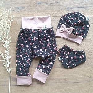 ANGEBOT Set – Hose, Schleifenmütze, Halstuch – Dunkelgrau kleine Rosen (Rose)) Baby Mädchen