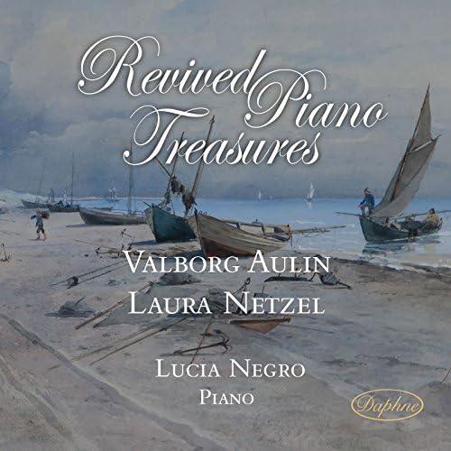 Lucia Negro