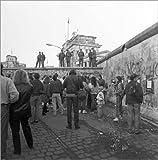 Poster 100 x 100 cm: DDR-Grenzsoldaten auf der Berliner