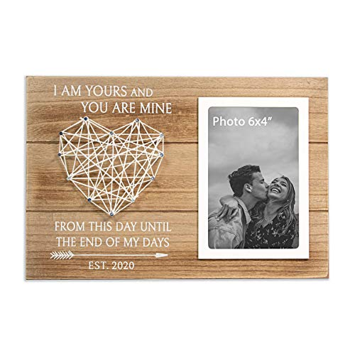 VILIGHT Couples Picture Frame I Am Yours est 2020 - Bride and Groom Gifts for Wedding and Engagement - Engaged Present for Fiancé and Fiancee - 4x6 Photo