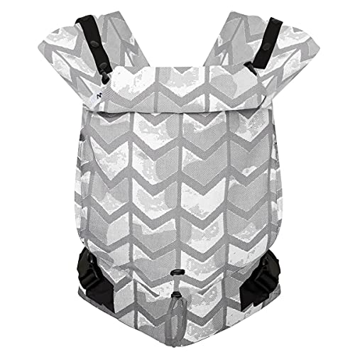 Hoppediz Primeo Full-Buckle Babytrage ✓ ab Geburt ✓ Bauchtrage ✓ Rückentrage ✓ verstellbarer Steg ✓ 100{f51ee6d0208d5b69ab0060918e0acda19cd20583b65b5f19874d9aadf961a709} Bio-Baumwolle | Design Amsterdam
