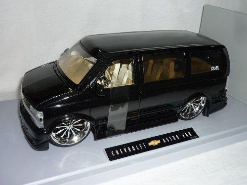 Chevrolet Chevy Astro Van Schwarz 2001 Tuning 1/18 Jada Modellauto Modell Auto