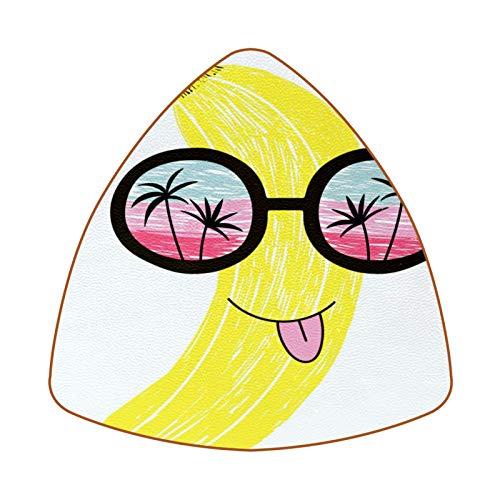 Posavasos triangulares para bebidas, vacaciones, plátano con gafas de sol, taza de cuero, alfombrilla para proteger muebles, resistente al calor, decoración de bar de cocina, juego de 6