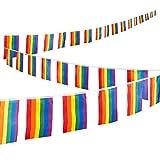 Regenbogenflaggen-Girlande von Juvale - 32 kleine Flaggen als Girlande - LGBT-Dekoration für Veranstaltungen wie CSD, Spenden-Events, Partys - Reißfest und Farbecht - Polyester - 37,4 cm