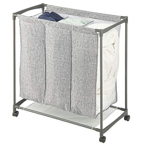 mDesign rollbarer Wäschekorb mit 3 Fächern – Wäschesammler für bis zu 3 Waschmaschinenladungen aus Kunstfaser und Metall – Rollwagen mit stabilen Kunststoffrollen für leichten Transport – grau