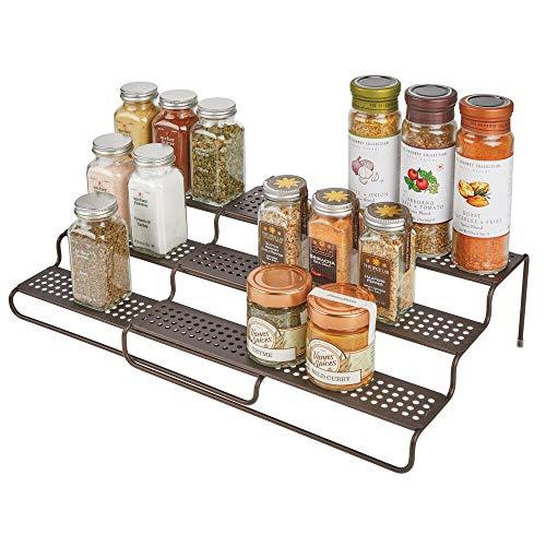 mDesign Estantería para especias para muebles de cocina – Estante especiero extensible para mantener el orden en la cocina – Mueble para especias de metal con 3 niveles – color bronce