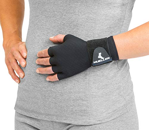 Mueller Reversible Compression Glove with Thermo Reactive Technology,...