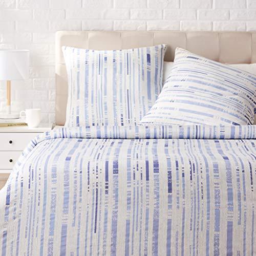 AmazonBasics - Bettwäsche-Set, Satin - 155 x 200 cm / 80 x 80 cm x 2, Strukturierte Streifen Eisblau