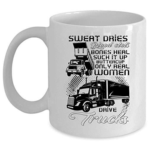 Solo le donne reali guidano la tazza dei camion, la tazza di caffè femminile del camionista, il sudore si asciuga coaguli di sangue ossa guarisce succhia la tazza