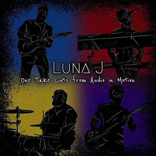 Luna J.