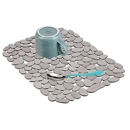 InterDesign Pebblz protection évier - grand tapis évier en plastique - egouttoir a vaisselle à découper pour la vaisselle - graphite