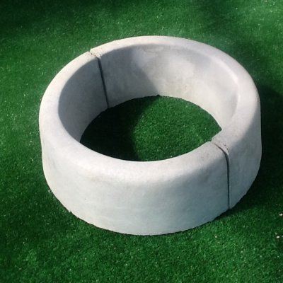 MASTRO GABRIELE 3 cuerdas para árbol circular. Diámetro interior: 53 cm. Color gris cemento.