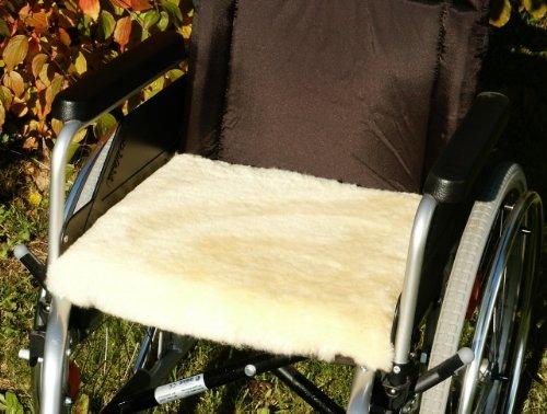 Förster-Fellnest Sitzkissen zur Druckentlastung - Rollstuhlkissen/Rollstuhlauflage Spezial - Echtes Lammfell/Lammfellkissen mit viskoelastischem Komponentenkern