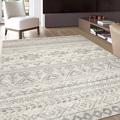 Rugshop Sky Collection Bohemian Distressed Geometric Area Rug 5' x 7' Cream