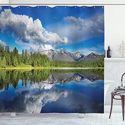 Lakehouse Decor-Kollektion, See- & Reflexionsansicht an den Rändern von Altaigebirgen, bedeckt mit Waldbild, Polyester-Stoff, Badezimmer-Duschvorhang, 183 x 183 cm, grün-blau