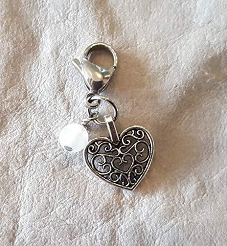 Charm ☘ filigranes Herz ☘ Trachtenschmuck ☘ weiße Glasperle, Lunar ☘ Anhänger ☘ Karabiner ☘ Bettelarmband ☘ Schlüsselanhänger ☘ Accessoires ☘ Oktoberfest ☘