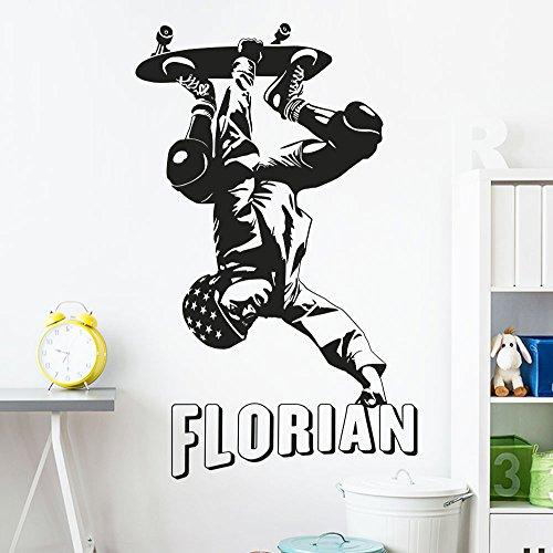 KLEBEHELD® Wandtattoo Skaterboarder mit Wunschname - Skater - Freestyle - Kinderzimmer Farbe schwarz, Größe 80cm