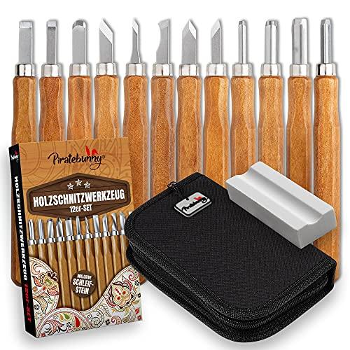 Piratebunny Holzschnitzwerkzeug Set – 12 Stück – Schnitzmesser – Für Profis & Anfänger – Schnitzwerkzeug für Holz Linoleum Obst Gemüse Wax etc. – Mit Schleifstein & Tasche