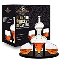 Whiskey Decanter Diamond shaped With 2 Diamond Glasses & Mahogany Wooden Holder – Elegant Handcrafted Crafted Glass Decanter For Liquor, Scotch, Rum, Bourbon, Vodka, Tequila – Great Gift Idea – 750ml [並行輸入品]