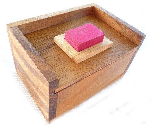 LOGICA GIOCHI Art. Piedra Roja Escondida - 2 Puzzles en 1 - Rompecabezas de Madera 3D - Dificultad 2/6 Media + 5/6 Increíble - Colección Leonardo da Vinci