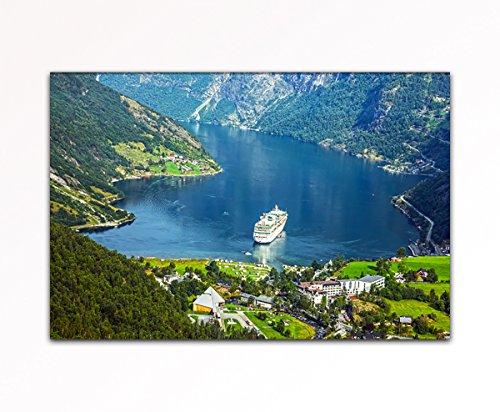 deinebilder24 - Modernes Wandbild - 80 x 120 cm - Kreuzfahrtschiff in Geiranger Fjord, Norwegen