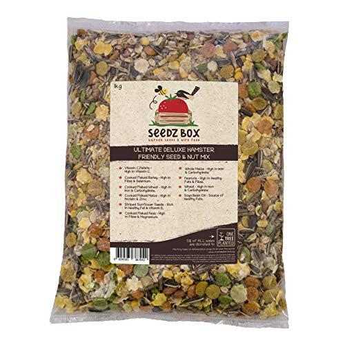 Seedzbox Ultimate Deluxe Hamsterfutter Samen- und Nussmischung - Natürliche, gesunde Leckereien und Futter für Hamster, Rennmäuse und Mäuse - Sonnenblumenkerne, Erdnüsse, Mais, Gerste, Vitamin C und Erbsen - 1kg Beutel
