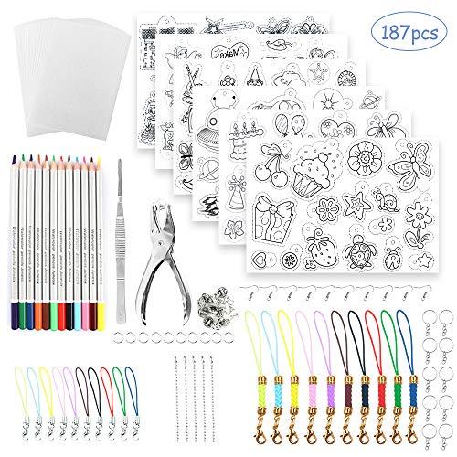 Schrumpfschlauch-Set, Locher, Buntstifte, Schrumpffolie, Kunstpapier, Schlüsselanhänger, Perlenkette und Zubehör zur Schmuckherstellung.