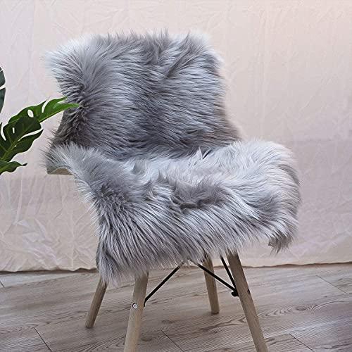 YIHAIC Peau de Mouton synthétique,Cozy Sensation comme véritable Laine Tapis en Fourrure synthétique, Man-Made Luxe Laine Tapis de Canapé Coussin (Gris, 60 x 90 cm)