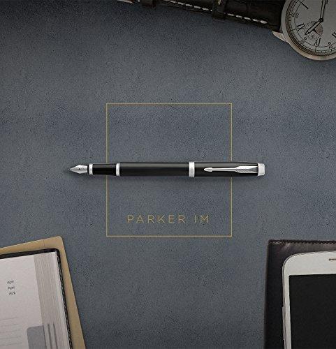 Parker 1931654 IM Penna Stilografica, Punta Media e Ricarica di Inchiostro Blu, Confezione Regalo, Matte Blue Chrome Trim