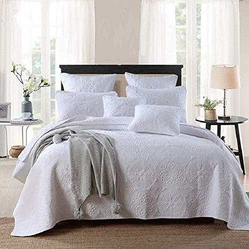 Qucover Tagesdecke Weiß aus Baumwolle 250x270cm Gesteppte Sommerdecke mit Kissen Set Bettüberwurf mit Stickerei Muster
