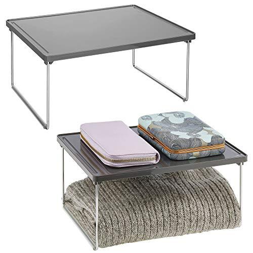 mDesign Set da 2 organizer armadio in metallo e plastica per sfruttare lo spazio verticale – Mensola aggiuntiva per ripiani – Divisorio per armadi adatto anche a cucina o bagno – grigio ardesia