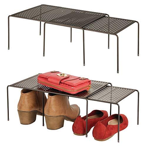 mDesign Set da 4 Pratici portascarpe espandibili – Ampia scarpiera in metallo per tutti gli ambienti della casa – Organizer per armadi antiscivolo – bronzo
