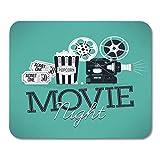 Evento Fresco en la Noche de Cine con proyector de Cine en Movimiento Retro detallado Admitir entradas para un Cine Teatro Mouse Pad