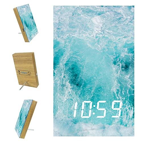 Indimization Despertador Agua Azul Reloj Despertador Digital con Puerto USB Pantalla LED Números Ultra Clara Fácil de Usar Snooze 6.2x3.8x0.9 in