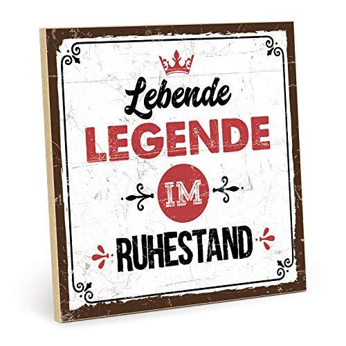 TypeStoff Holzschild mit Spruch – LEBENDE Legende IM Ruhestand – im Vintage-Look mit Zitat als Geschenk und Dekoration (Größe: 19,5 x 19,5 cm)