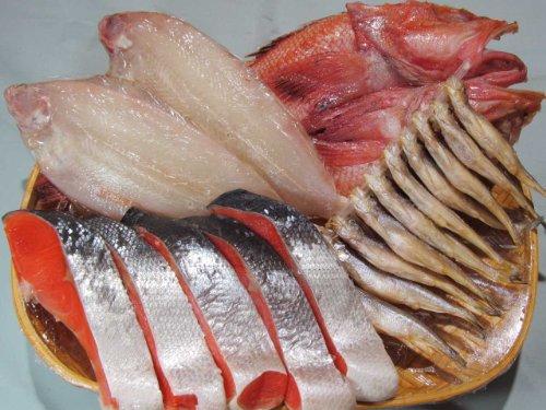 〔厳選〕塩紅鮭と特選干物3種(子持ち笹カレイ、キンキ開き、子持ししゃも)セット