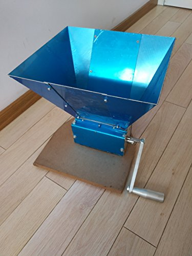 Grain Mill - 3 Roller, Homebrew Equipment, with hopper & crank handle & a base