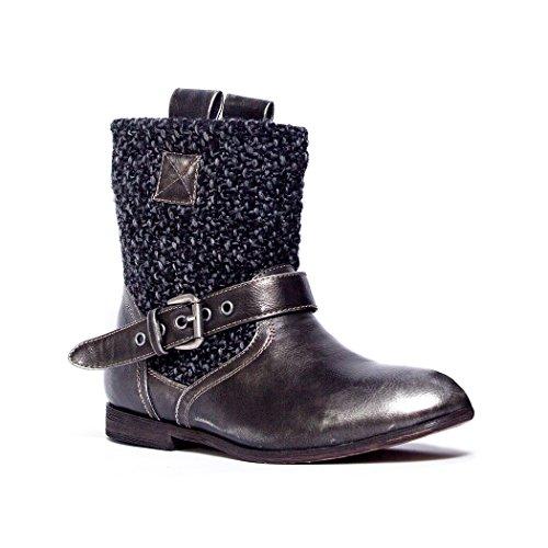 Muk Luks Women's MEEAH Short Buckle Boot, Distressed Black, 6 M US