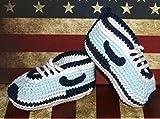 Patucos para bebé de crochet, Unisex. Estilo Nike, de color Celeste y marino,...
