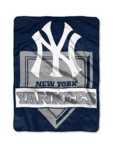 Northwest MLB New York Yankees Royal Plush Raschel Throw, One Size, Multicolor