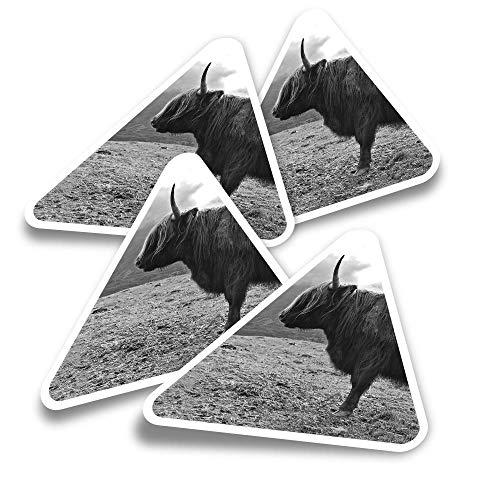 Pegatinas triangulares de vinilo (juego de 4) – Isla de Skye Highland Cow Scotland Fun Calcomanías para portátiles, tabletas, equipajes, reservas de chatarra, neveras #16299