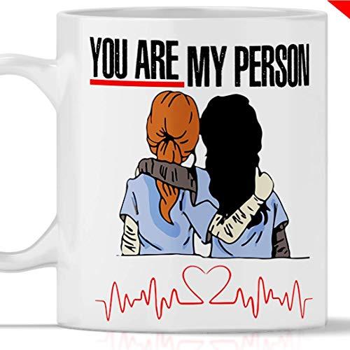 Taza Grey's Anatomy You are my person. Gadget mug greys anatomy tributo a Meredith Grey y Cristina Yang. También como idea de regalo original y simpática