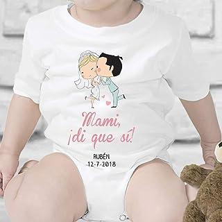 Regalo de boda personalizado para el hijo/a de una pareja que se casa: body para bebé o camiseta infantil 'Mami, di que sí...