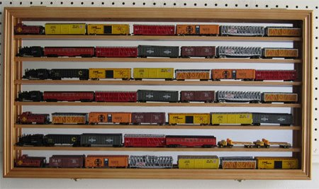 display case for ho train - 5